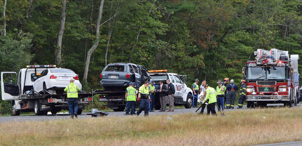 UPDATE: 195E accident kills Dartmouth man, 2 New Bedford women